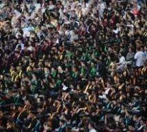 Absolvenții facultăților din Sibiu, sărbătoriți în Piața Mare