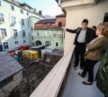 Lucrările de reabilitare a clădirii Băii Populare din Sibiu sunt în curs