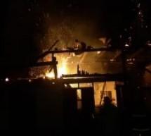 """Noapte """"de foc"""" pentru pompierii militari din Săliște"""
