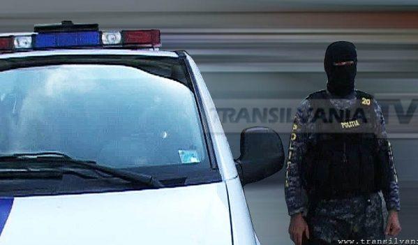 """Grupare infracțională specializate în înșelăciuni prin metoda """"Accidentul"""", destructurată de polițiștii sibieni"""