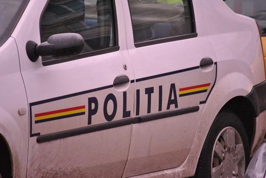 Patru bărbați au fost reținuți de polițiștii de la investigații criminale Mediaș