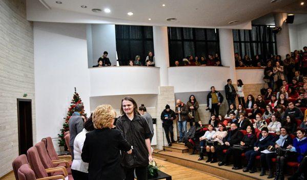 Primăria Sibiu a premiat cei mai buni elevi